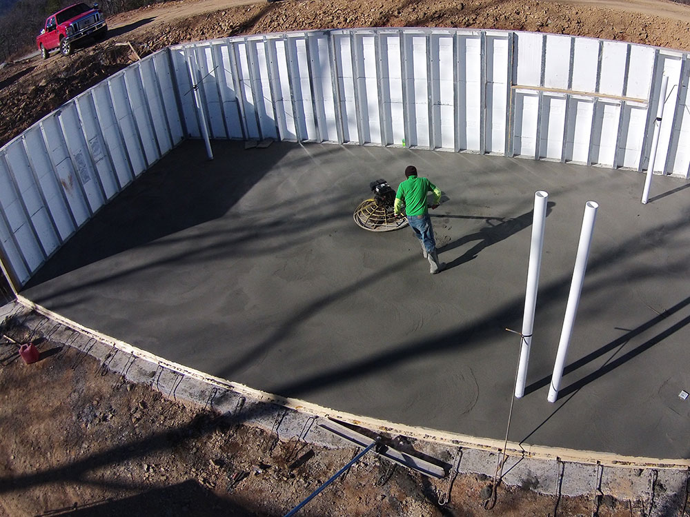 precast walls in place with smoothing of concrete floor