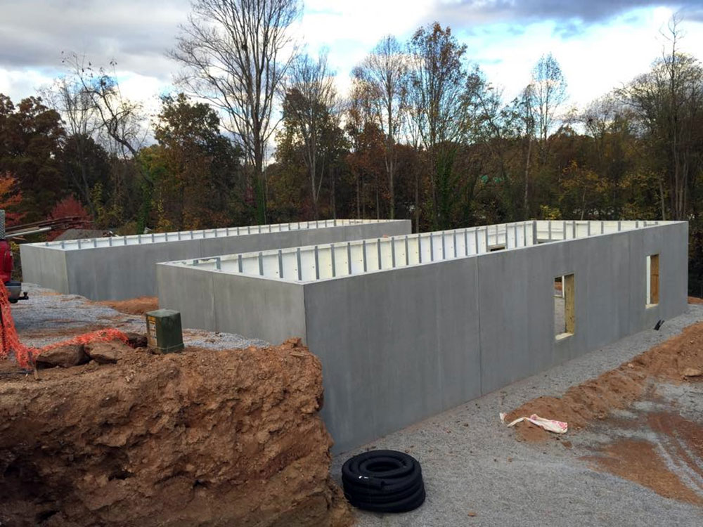 two parallel building using precast walls